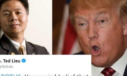 Este Congresista Sabe Hacernos Reír y Buscarle las Cosquillas a Trump. Adivina Quién es el Único Que no se Ríe