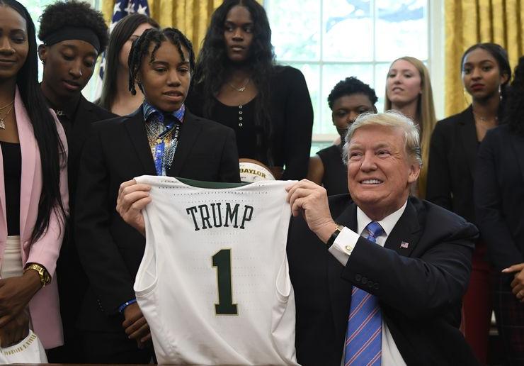 A Partir de Ahora, Ser Corriente, Vulgar y sin Clase Tiene un Sinónimo: Donald Trump