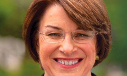 Todo lo Que Necesitas Saber Sobre los Candidatos Demócratas: Amy Klobuchar
