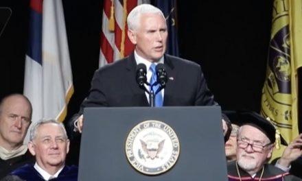 A Este Intolerante y Racista Conservador le Acaban de Demostrar Que el Mundo no Tolera su Discriminación