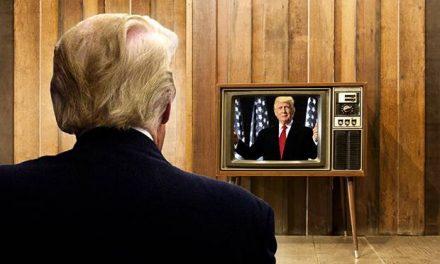 Lo Que Más Ha Molestado a Trump de su Viaje al Reino Unido es la Televisión Que le Obligan a Ver