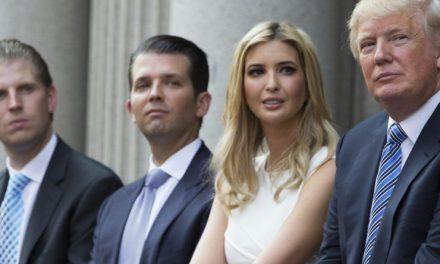 Los Trump Son Una Familia Excelente… Malgastando Tu Dinero y el Mío. El de Todos