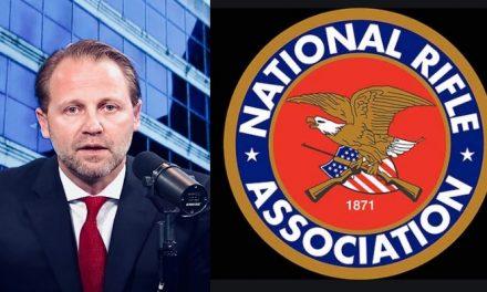 Estos de la NRA no Sólo Son Campeones de las Armas. Del Abuso Sexual También