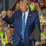 Mismo Método Que en las Dictaduras: Trabajadores Obligados a Participar en Mítin de Trump o no Reciben Paga