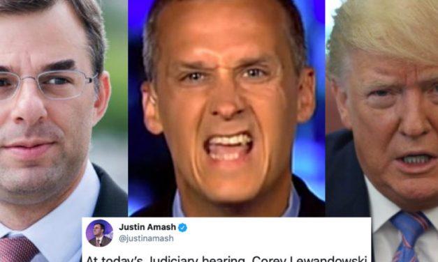 Afirma ex Congresista Republicano Que el ex Gerente de Campaña de Trump Confirmó la Validez de la Destitución