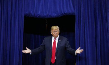 Nuevo Libro Saca a la Luz Otras 26 Víctimas de Contacto Sexual no Deseado Por Parte de Trump