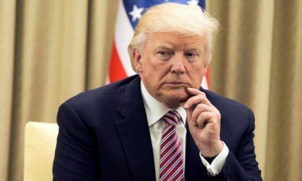 Dice Trump Que No Sigue ni se Preocupa Por las Audiencias, Pero Aquí Está la Prueba de lo Contrario