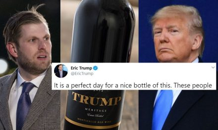 """¡Viva la Familia Trump! Usan Hasta las Audiencias de Destitución Para Ganar Más Dinero. """"Bien"""" por Eric"""