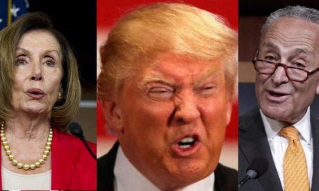 ¡Bravo por los Demócratas! Desenmascaran la Burda Farsa de Trump y le Vuelven a Pasar el Balón