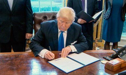 ¡Terrible Mensaje! Trump Perdona a Asesinos Militares Incluso Contra las Objeciones del Propio Pentágono