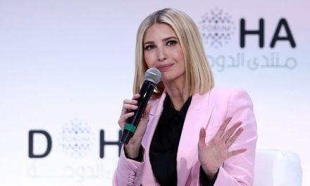 Ivanka Esquiva las Preguntas Difíciles en el Foro de Qatar. Sólo su Jefe de Relaciones Públicas Pudo Preguntarle