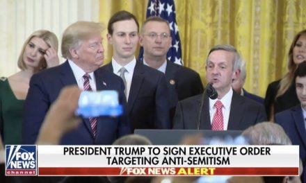 Trump Invita a Pastor Anti Judío a Hablar en Una de las Más Importantes Celebraciones Judías