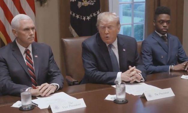 """""""Fue un Intento de Derrocar el Gobierno"""" Dice Trump Sobre el Informe de su Propio Departamento de Justicia"""