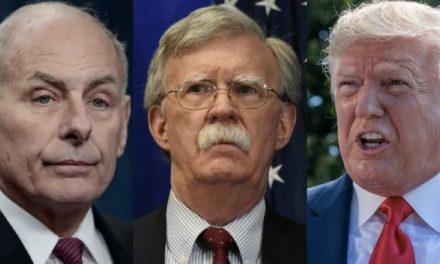 """""""Yo le Creo a Bolton"""" Dice el ex Jefe de Gabinete de Trump, Distanciándose de su Amigo y Compinche"""