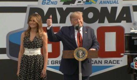 Seguidores de Trump Muy Ofendidos: Fox Sports no Transmitió el Discurso de Trump en Daytona 500