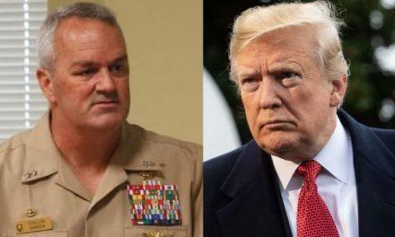 Renuncia Comandante de Tropas Especiales Después de una Discusión con Trump
