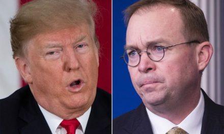 """Nuevo Libro Revela Que su Jefe de Gabinete Piensa Que Trump Está Mentalmente Enfermo, Pero Eso es una """"Cosa Buena"""""""