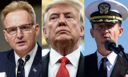 """""""¡Qué Demonios! ¡Estaba Tratando de Ayudarnos!"""" le Rugen los Marines a su Secretario en Funciones"""