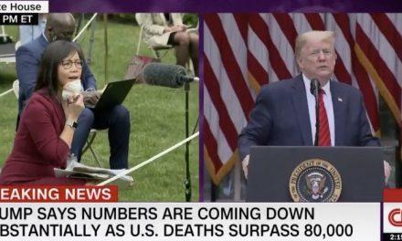 Trump se Burla de Periodista Chino-Estadounidense y se Marcha Furiosamente Cuando Ella lo Cuestionó