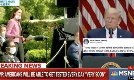 Trump Entra en un Intercambio Extrañamente Personal con una Reportera sobre las Pruebas del Virus