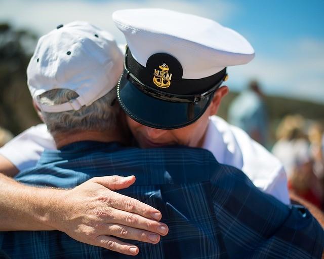 ¿A Quién le Importan los Veteranos en Este País? A Trump, Para Nada. Y a los Reps, Sólo Para los Votos