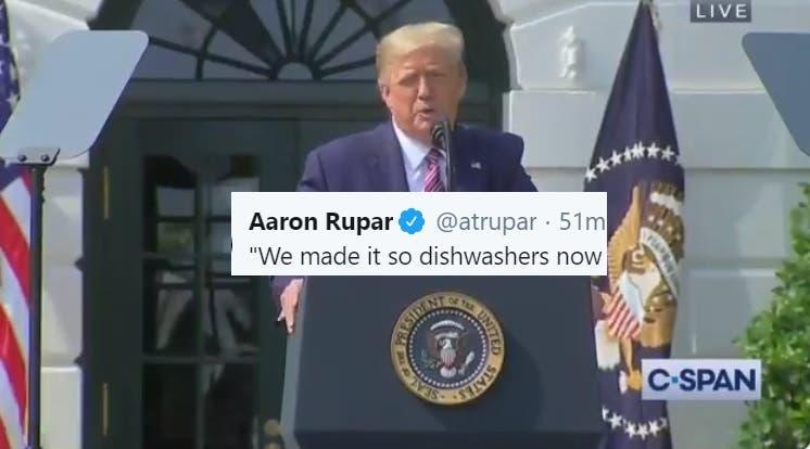 Un Presidente Senil se Lanza a una Diatriba Extraña Lamentando que los Lavaplatos no Tengan Suficiente Agua