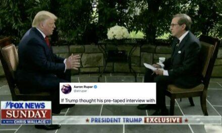 """""""No es la Prueba más Difícil"""", le Dice el Presentador de Fox Cuando Trump se Jacta de la Prueba de Inteligencia que Pasó"""
