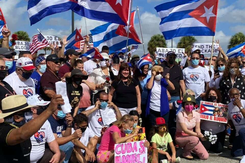 ¡Algo Grande Está Sucediendo en la Comunidad Cubana de Miami y el Bloqueo a Cuba!