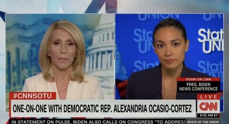 """AOC Critica a los Demócratas del Senado por """"Bloquear Elementos Cruciales"""" en la Agenda de Biden"""
