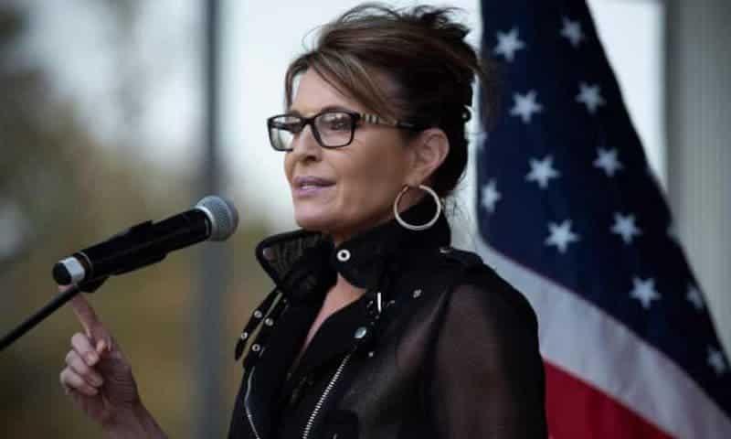 No, Querido Dios, Díle Que No Cuando te Consulte: Sarah Palin Insinúa un Regreso a la Política