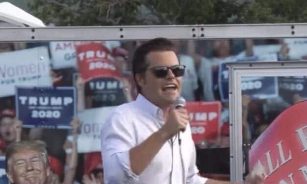 """Dice a sus Seguidores que la """"Variante de Florida"""" le ha Infectado su Cerebro. ¡Y Coincidimos con Él!"""